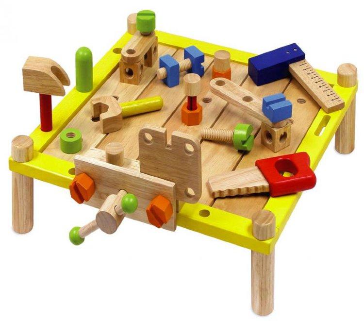 Игрушки для мальчиков из дерева